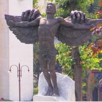 Синдромът Икар - пътят на богочовека или на потъващото в бездната самодоволство